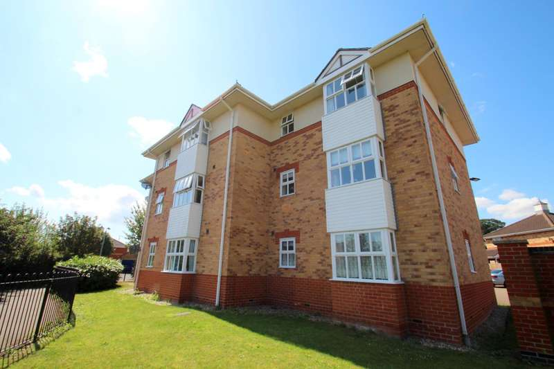 2 Bedrooms Ground Flat for sale in Bridgeside Court, Haddon Park, Colchester