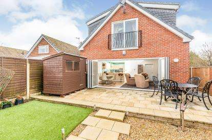 3 Bedrooms Detached House for sale in Ullswater Avenue, Fleetwood, Lancashire, ., FY7