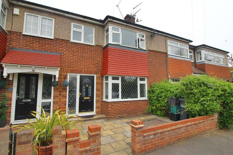 4 Bedrooms Terraced House for sale in Montayne Road, Cheshunt, Herts, EN8