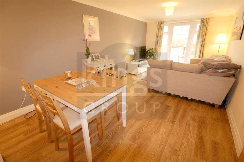 2 Bedrooms Apartment Flat for sale in Newland Gardens, Hertford