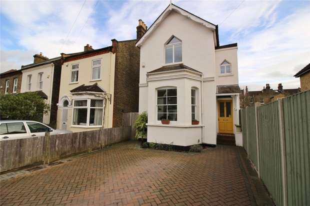3 Bedrooms Detached House for sale in Ravenscroft Road, Beckenham, Kent