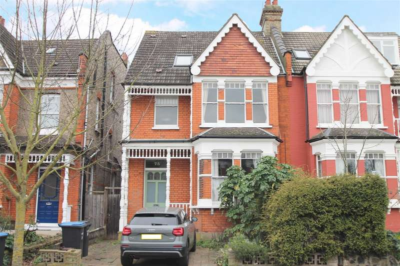 3 Bedrooms Flat for sale in Old Park Road, London N13