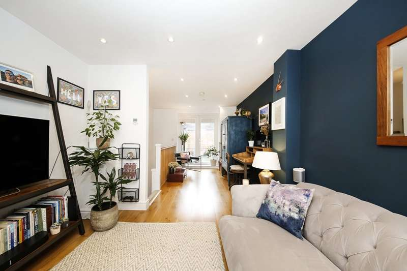 2 Bedrooms Property for sale in Devonshire Road, London