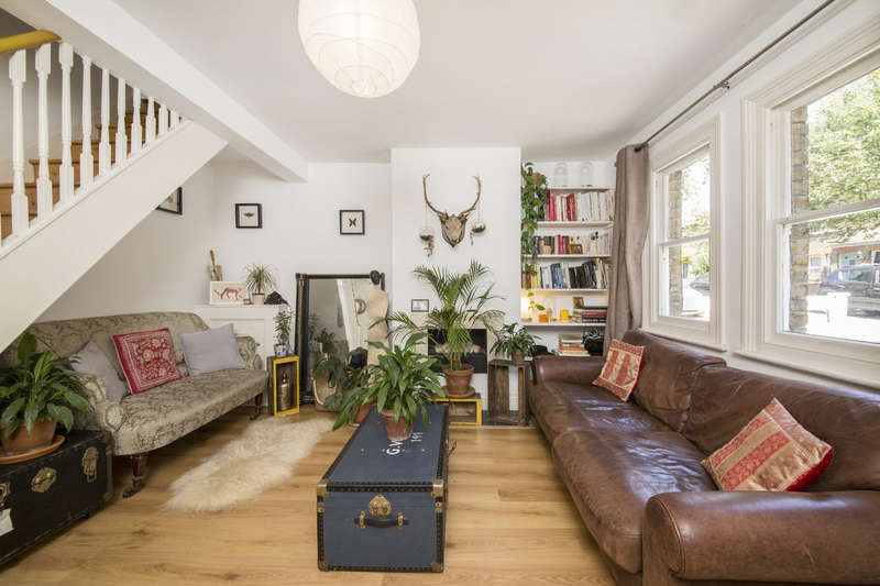2 Bedrooms Cottage House for sale in Lucas Road, Penge, London