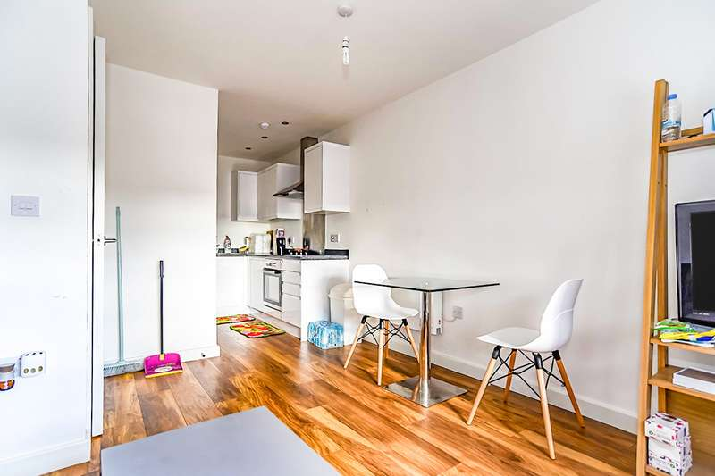 1 Bedroom Apartment Flat for sale in Grove House, 35 Skerton Road, Manchester, M16