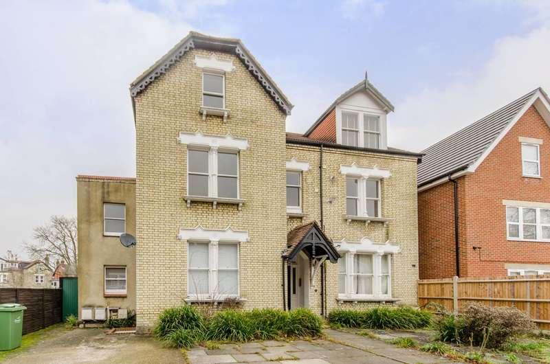 3 Bedrooms Flat for sale in Oakdale Road, Streatham, SW16