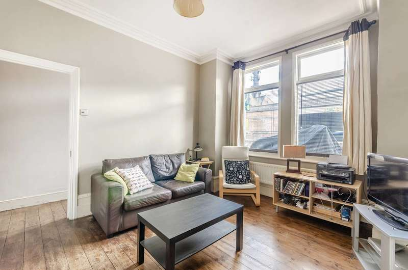 2 Bedrooms Flat for sale in Parkhouse Street, Camberwell, SE5