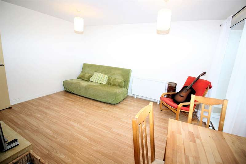 1 Bedroom Flat for sale in Tower Mews, London