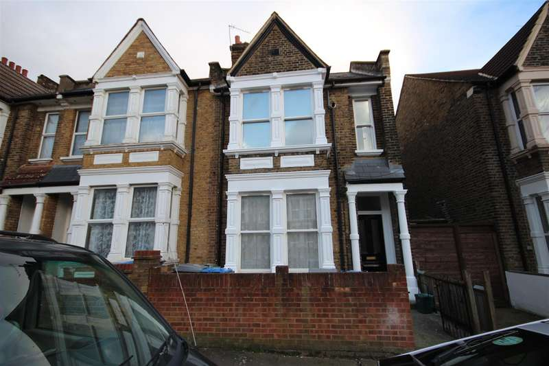 3 Bedrooms Flat for sale in Fairlight Avenue