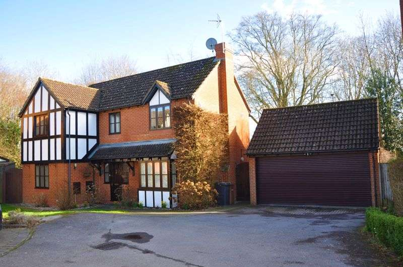 4 Bedrooms Property for sale in Shaw Close, Andover
