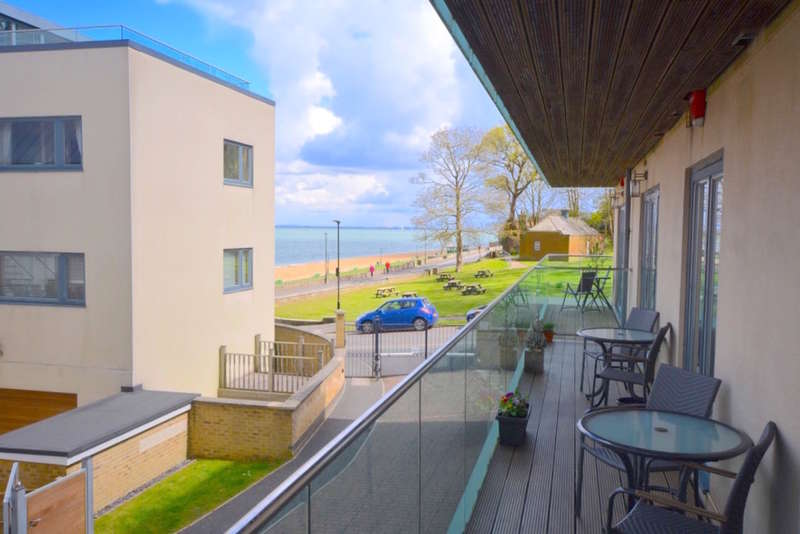 2 Bedrooms Ground Flat for sale in Mornington Road , Cowes