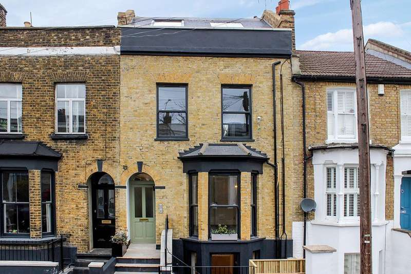 1 Bedroom Flat for sale in Elderfield Road, London, E5
