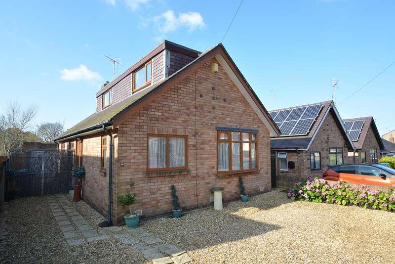 4 Bedrooms Detached Bungalow for sale in Lakeway, Stanley Park, Blackpool, FY3 8PE