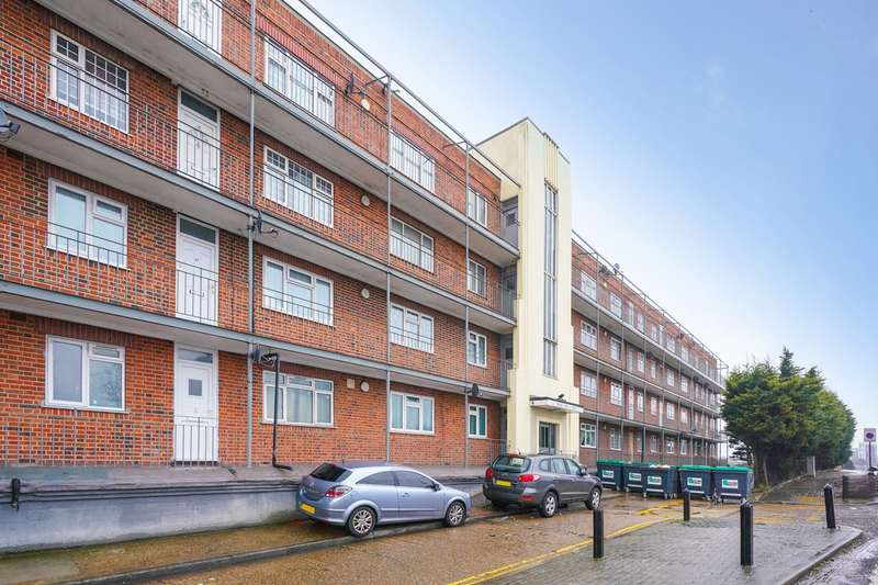 2 Bedrooms Flat for sale in Wendover Court, Acton, W3