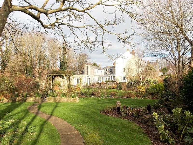 4 Bedrooms Property for sale in The Belenes Wakeham, Portland