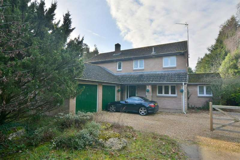 4 Bedrooms Detached House for sale in Horton Road, Ashley Heath