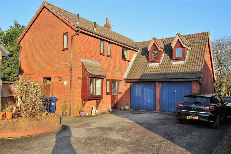 5 Bedrooms Detached House for sale in The Oaks, Walton-le-Dale, Preston