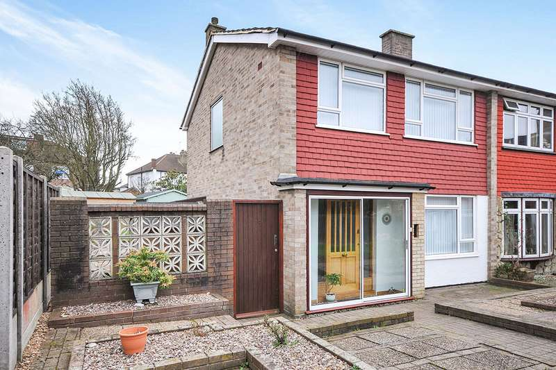 3 Bedrooms Semi Detached House for sale in Downleys Close, London, SE9