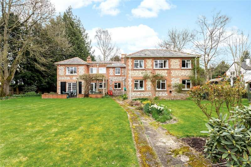 5 Bedrooms Detached House for sale in Village Street, Thruxton, Andover, Hampshire, SP11