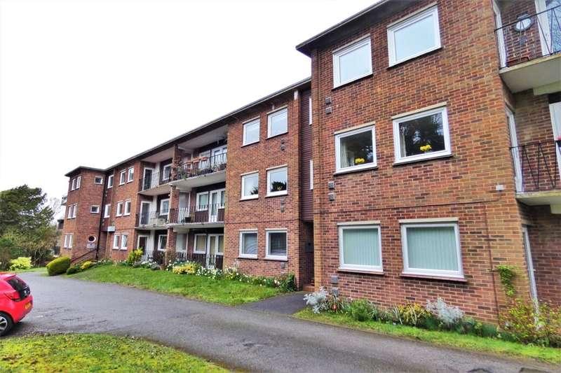 3 Bedrooms Flat for sale in Whitfield Hill, Kearsney, CT16