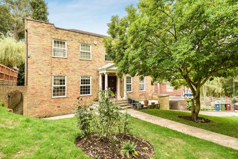 5 Bedrooms Detached House for sale in Georgian Way, Harrow on the Hill, HA1