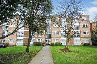 1 Bedroom Flat for sale in Adelaide Court, 30 Copers Cope Road, Beckenham, Kent