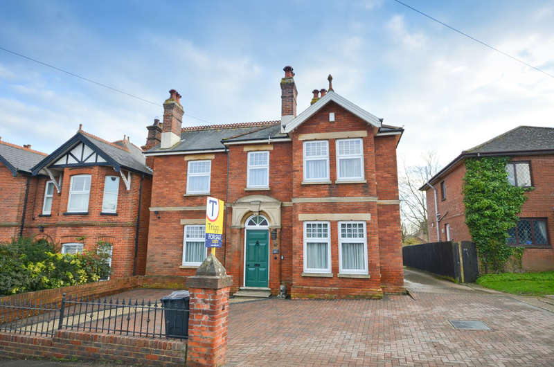 4 Bedrooms Detached House for sale in Wootton, Isle Of Wight