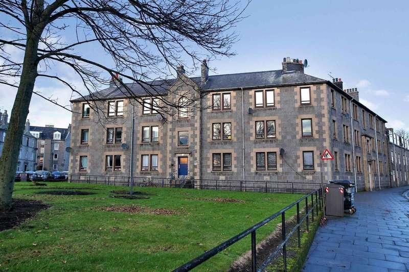 3 Bedrooms Ground Flat for sale in Roslin Street, Aberdeen, Aberdeenshire, AB24 5NX