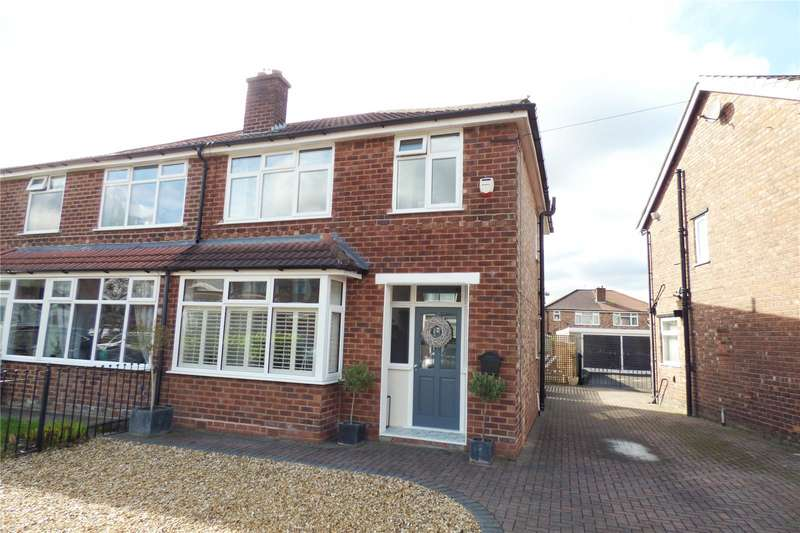 3 Bedrooms Semi Detached House for sale in Kenwick Drive, New Moston, Manchester, M40