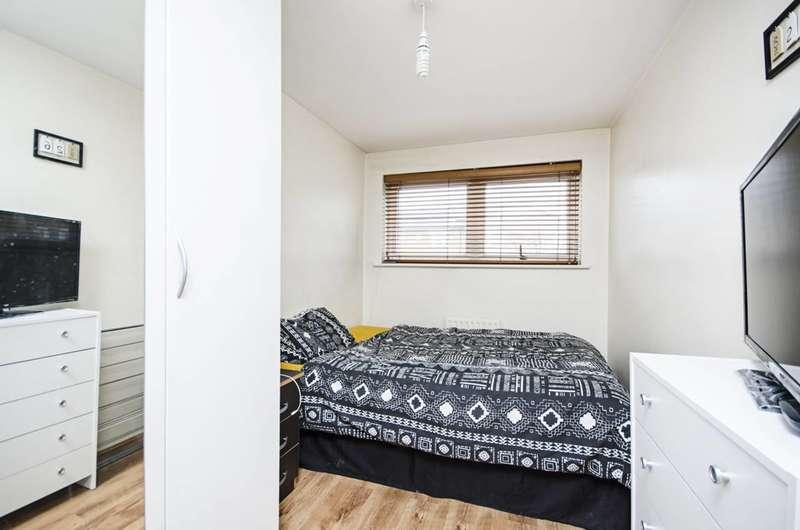 2 Bedrooms Flat for sale in High Road, Tottenham, N15
