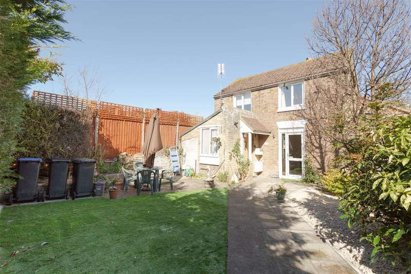 2 Bedrooms Detached House for sale in Canterbury Road, Birchington