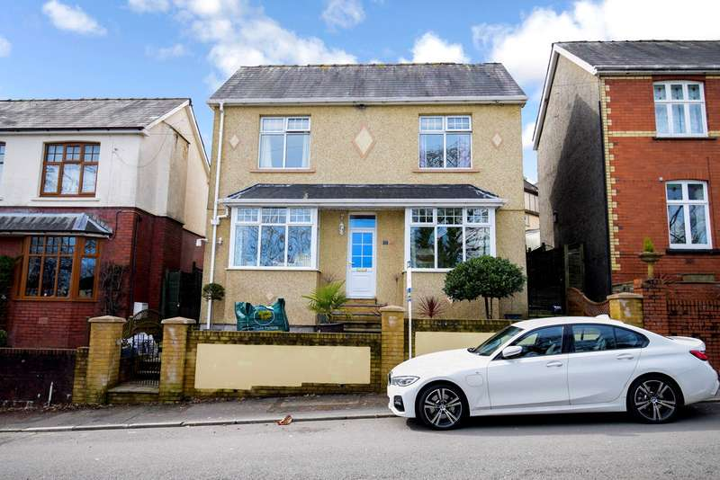 3 Bedrooms Detached House for sale in Coed Y Gric Road, Griffithstown, Pontypool, NP4