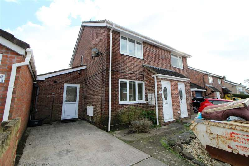 2 Bedrooms Semi Detached House for sale in Keats Road, Caldicot