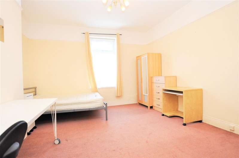 5 Bedrooms House for rent in Field Street, South Gosforth, Newcastle Upon Tyne