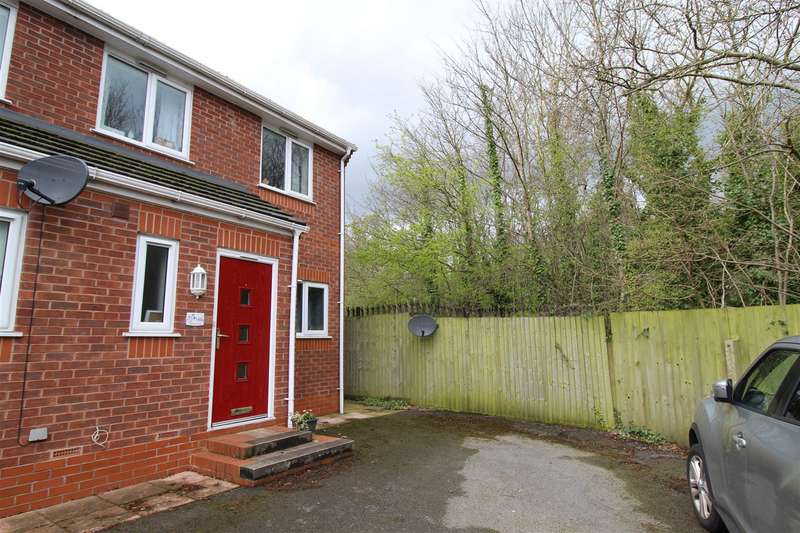 3 Bedrooms Semi Detached House for sale in Douglas Road, Swinley, Wigan
