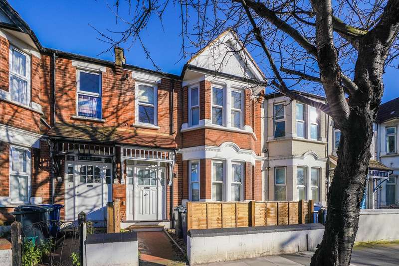 3 Bedrooms Flat for sale in Horn Lane, Acton, W3