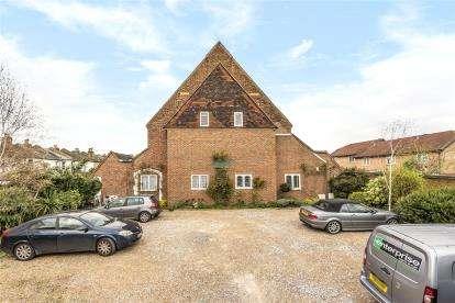 2 Bedrooms Maisonette Flat for sale in St. Augustines Court, Churchfields Road, Beckenham