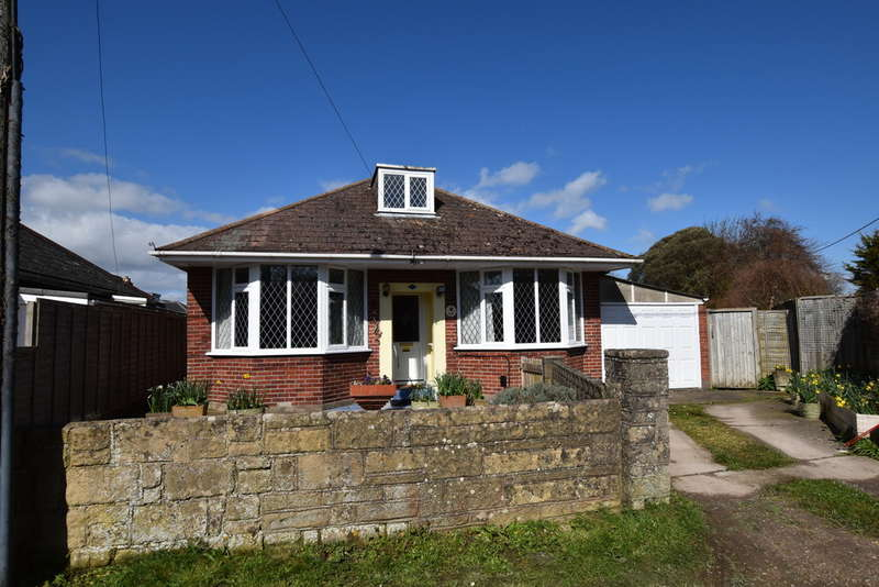 3 Bedrooms Detached Bungalow for sale in Broadfields Avenue, Cowes