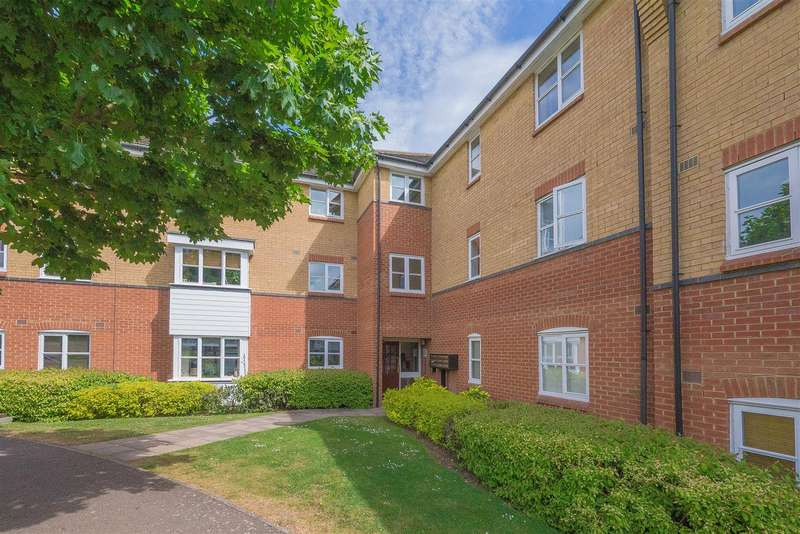 2 Bedrooms Flat for sale in Plomer Avenue, Hoddeson