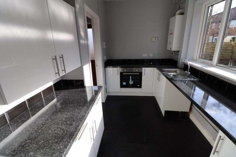 3 Bedrooms Property for sale in Blenheim Road, Wigan WN5
