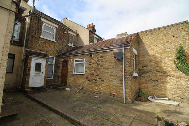 1 Bedroom Flat for sale in Winstanley Road, Sheerness, ME12
