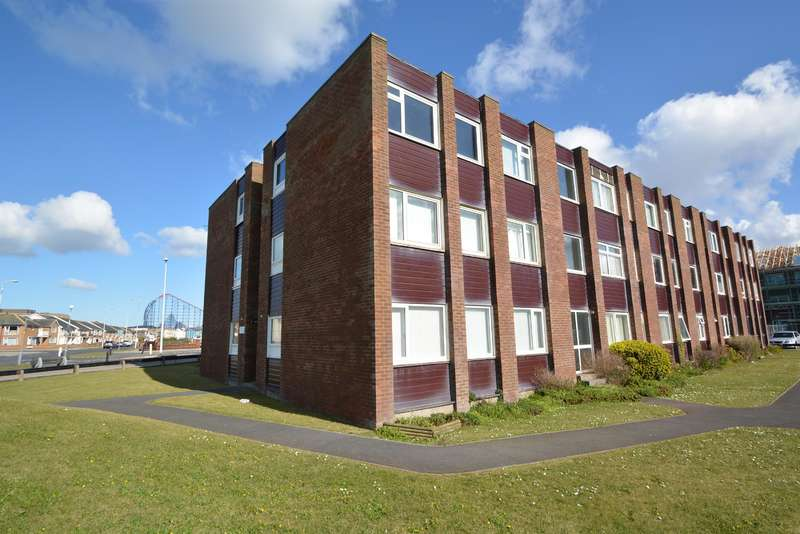 1 Bedroom Flat for sale in Greystoke Court, Clifton Drive , Blackpool, FY4 1DQ