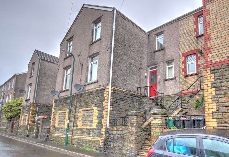 2 Bedrooms Property for sale in AT AUCTION, Vivian Street, Abertillery NP13