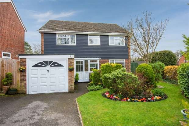 4 Bedrooms Detached House for sale in Abbey Hill Road, Winchester, Hampshire