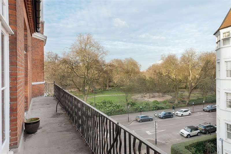 3 Bedrooms Flat for sale in Park Mansions, Prince of Wales Drive, Battersea, London, SW11