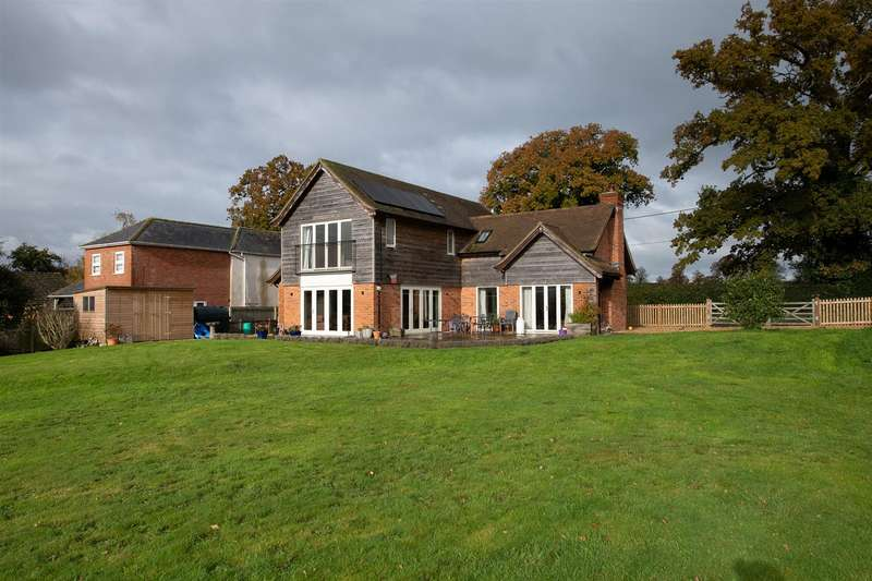4 Bedrooms Detached House for sale in Netton, Salisbury