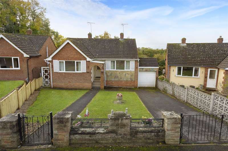 2 Bedrooms Detached House for sale in Arthur Kennedy Close, Boughton-under-Blean