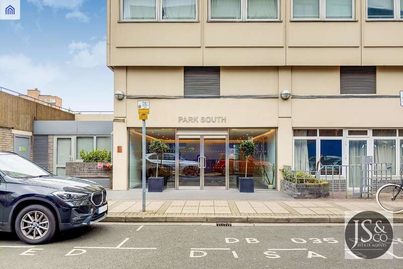 3 Bedrooms Flat for sale in Park South, Austin Road, London, SW11 5JN