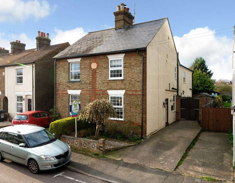 3 Bedrooms Semi Detached House for sale in 3 DOUBLE BEDROOM with PARKING in ABBOTS LANGLEY