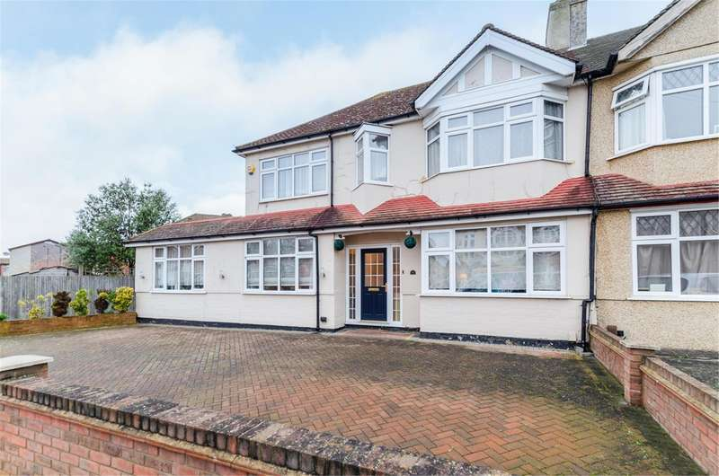 5 Bedrooms Semi Detached House for sale in Carlingford Road, MORDEN, Surrey, SM4